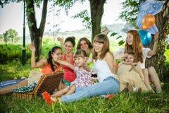 Dziewczyny na pinkinie Zdjęcia Royalty Free
