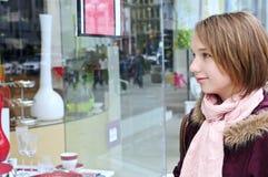 dziewczyny na zakupy nastolatków. Zdjęcia Royalty Free