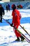 Dziewczyny narciarka po kona Zdjęcie Stock