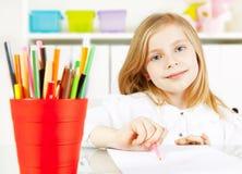 dziewczyny obrazu obrazka stół Fotografia Stock