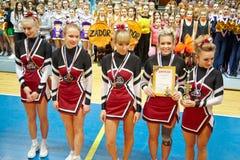 Dziewczyny od drużynowego Assol - zwycięzcy w grupowych wyczynach kaskaderskich Obrazy Royalty Free