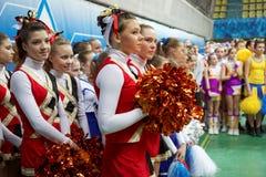 Dziewczyny - participsnts cheerleaders drużyna Fotografia Royalty Free