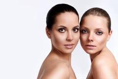 dziewczyny piękna zmysłowość dwa potomstwa zdjęcia stock