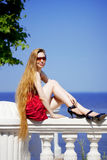 dziewczyny plażowa smokingowa czerwień Zdjęcie Stock