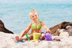 dziewczyny plażowej mała gra obrazy stock