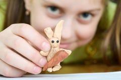 dziewczyny plasteliny królik Zdjęcia Royalty Free