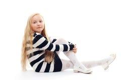 dziewczyny podłogowy obsiadanie Obrazy Royalty Free