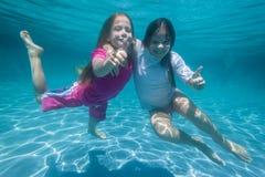 Dziewczyny Podwodna zabawa Fotografia Royalty Free