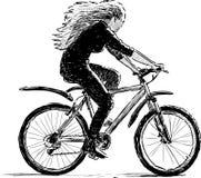dziewczyny rowerów jazda Obrazy Royalty Free