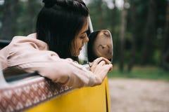 Dziewczyny serca rysunkowy znak na lustrze Zdjęcie Royalty Free