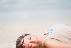 dziewczyny się na plaży Zdjęcie Royalty Free