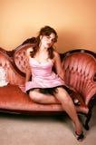 dziewczyny smokingowa kanapa obraz royalty free