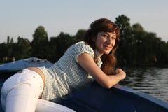 dziewczyny stanowić łodzi Fotografia Royalty Free