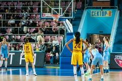 Dziewczyny sztuki koszykówka Zdjęcia Stock