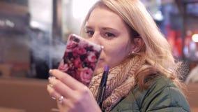 dziewczyny telefonu target2371_0_ zdjęcie wideo