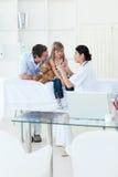 dziewczyny trochę medyczna wizyta Zdjęcie Royalty Free
