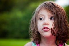 Dziewczyny twarzy przyglądający park Zdjęcie Stock