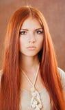 dziewczyny włosiana portreta czerwień Zdjęcia Royalty Free