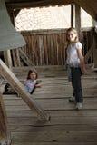 Dziewczyny w dzwonkowy wierza obrazy royalty free
