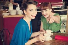 Dziewczyny w kawiarni Obraz Stock
