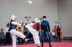 Dziewczyny walka w Taekwondo Obrazy Royalty Free