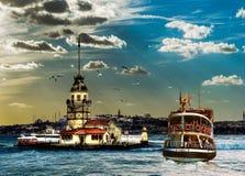 Dziewczyny wierza w Istanbul Turcja zdjęcia stock