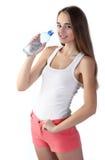 Dziewczyny woda pitna zdjęcia royalty free