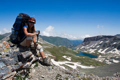 dziewczyny wycieczkowicza góra wally fotografia stock