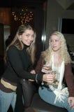 dziewczyny wznieść toast zdjęcia royalty free