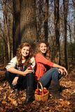Dziewczyny z jabłkami Obrazy Stock