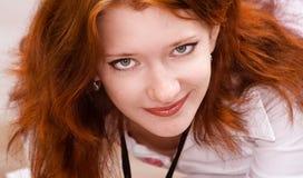 dziewczyny z włosami portreta czerwień fotografia royalty free