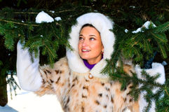 dziewczyny zima parkowa ładna zdjęcie royalty free