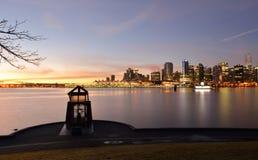 Dziewięć godzin Vancouver i pistoletu pejzaż miejski przy wschodem słońca Obrazy Royalty Free