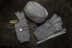 Dziewiarskie woolen mitynki, rękawiczki bez palców Obrazy Stock