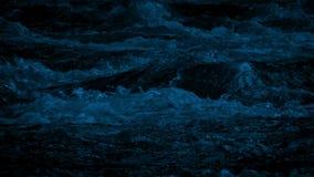 Dzika Halna rzeka Przy nocą zbiory wideo