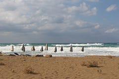 Dzika plażowa scena w Crete Zdjęcia Stock