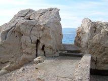 Dzika skalista plaża w Chorwacja obraz royalty free