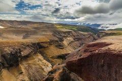 Dziki krajobraz z nieżywymi powulkanicznymi skałami Obrazy Royalty Free
