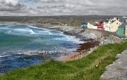 Dziki linia brzegowa okręg administracyjny Clare, Irlandia Zdjęcie Stock
