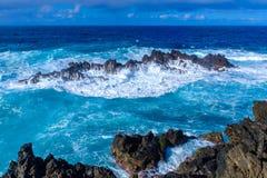 Dziki morze w Porto Moniz Zdjęcie Stock
