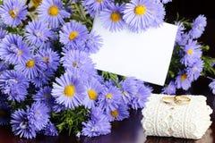 Dzikich kwiatów bukieta pierścionki Fotografia Stock