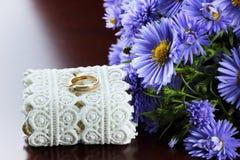 Dzikich kwiatów bukieta pierścionki Fotografia Royalty Free