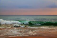 Dzikie fala w oceanie indyjskim Fotografia Stock
