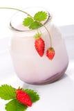 dzikie truskawki jogurt Zdjęcie Royalty Free