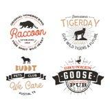 Dzikie zwierzę odznaki ustawiać i wielkie outdoors aktywności insygnie Retro ilustracja zwierzęce odznaki Typograficzny camping ilustracji