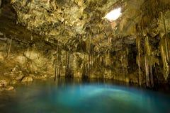 Dzitnup Cenote in Penisola dello Yucatán del Messico Fotografie Stock Libere da Diritti