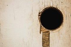 Dziura na starej drewnianej teksturze zdjęcie stock