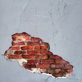 Dziura w betonie daje sposobowi cegła Obrazy Royalty Free
