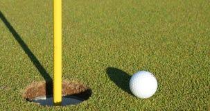 dziura w golfa piłką Fotografia Stock