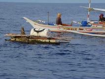 dziwactw payaos używać artisanal handline rybołówstwem dla tuńczyka żółtopłetwowy tuńczyka w Filipiny zdjęcie stock